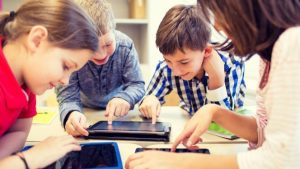 Padres, hijos y tecnología Charla gratuita