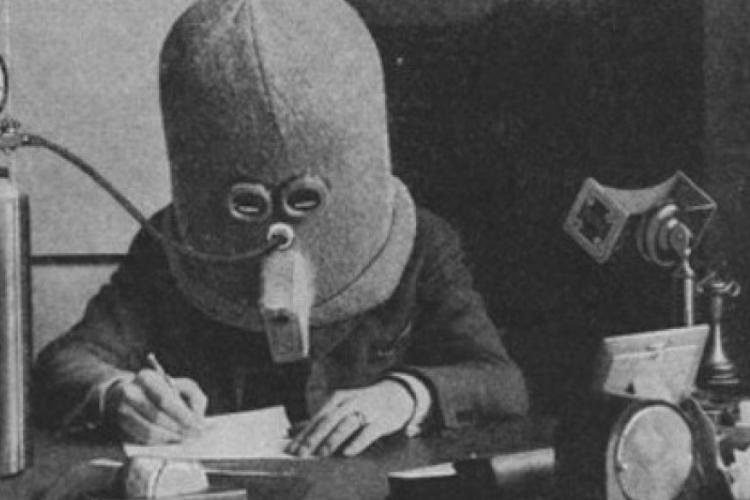 The isolator: un casco diseñado en 1925 para disminuir las distracciones y aumentar la productividad